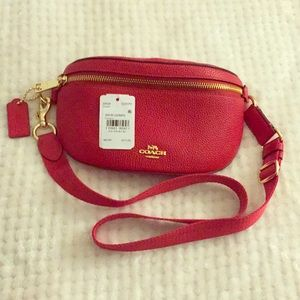 Couch Red Apple Belt Bag NWT Perfect Condition!